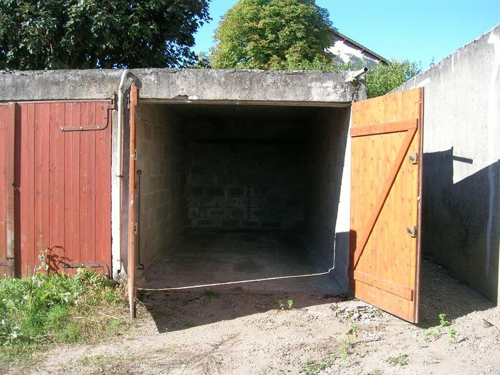 Location Stationnement  à Limoges - vignette-1