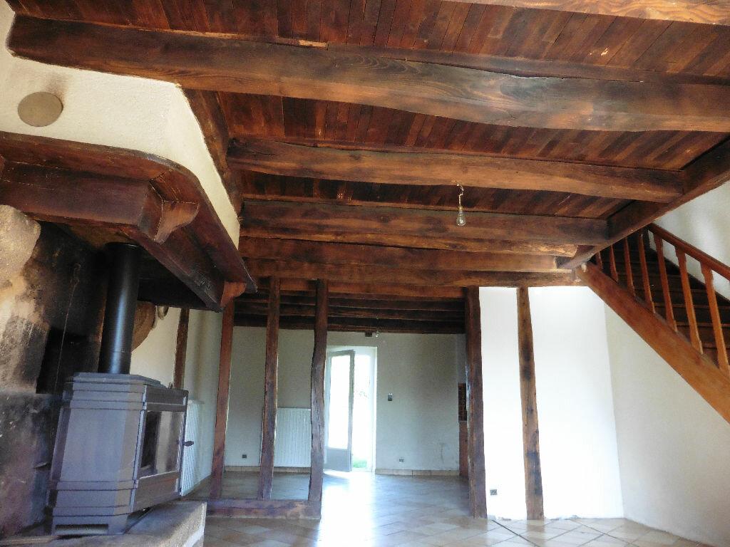 Location Maison 4 pièces à Chaptelat - vignette-1