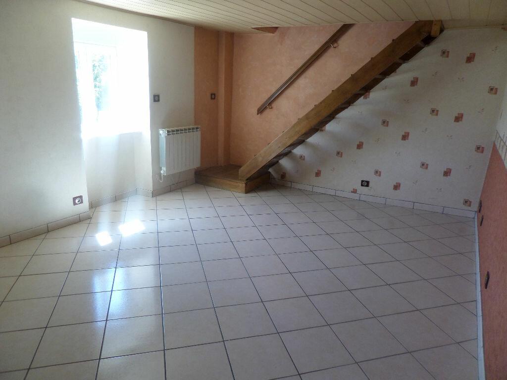 Location Maison 2 pièces à Saint-Priest-Taurion - vignette-3