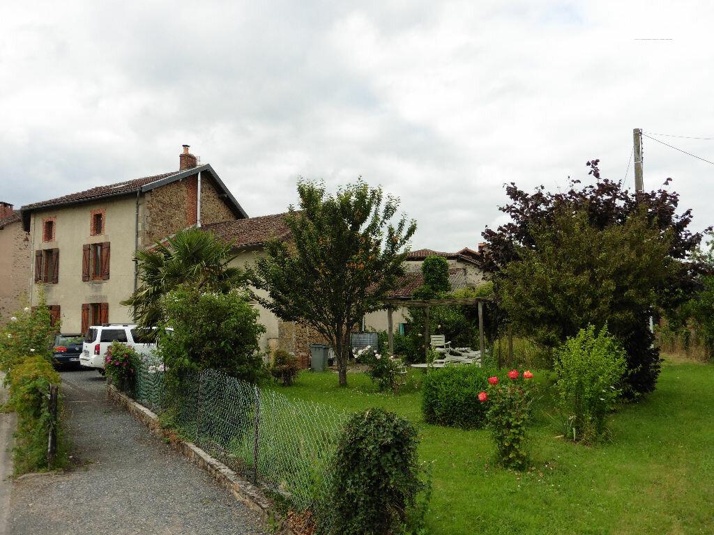 Achat Maison 7 pièces à Saint-Yrieix-sous-Aixe - vignette-1