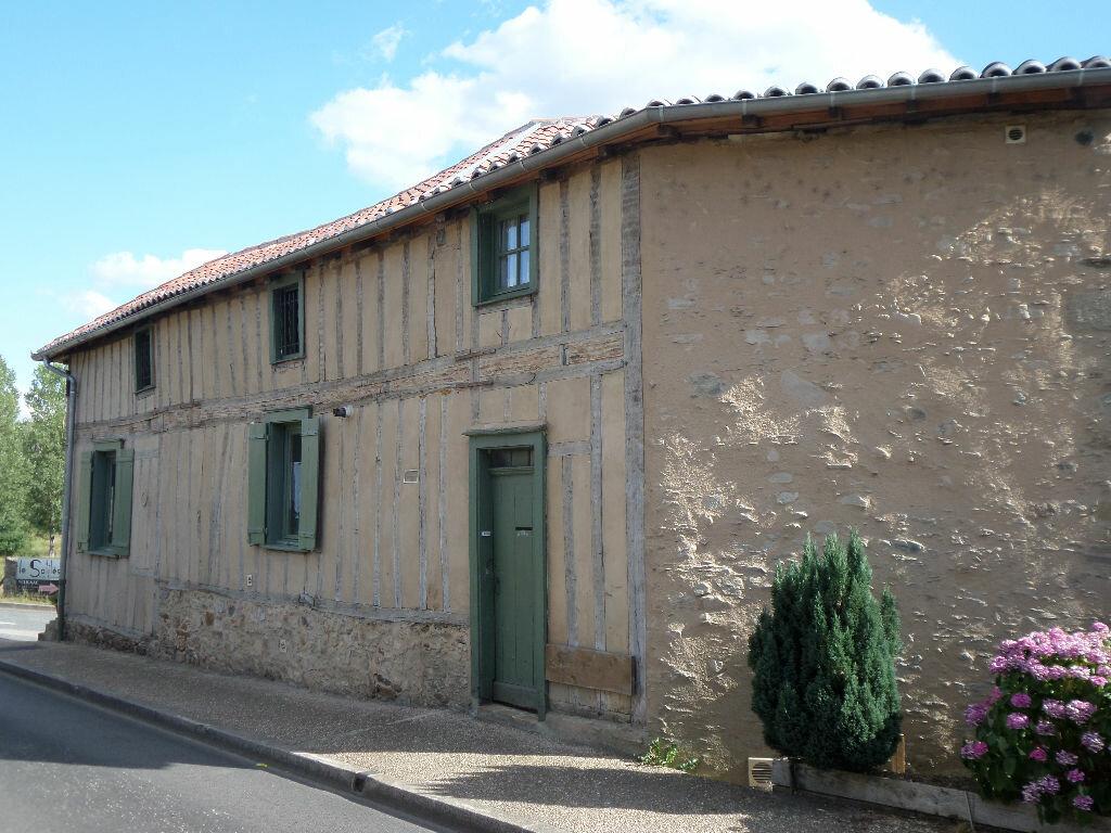 Achat Appartement 3 pièces à Solignac - vignette-1