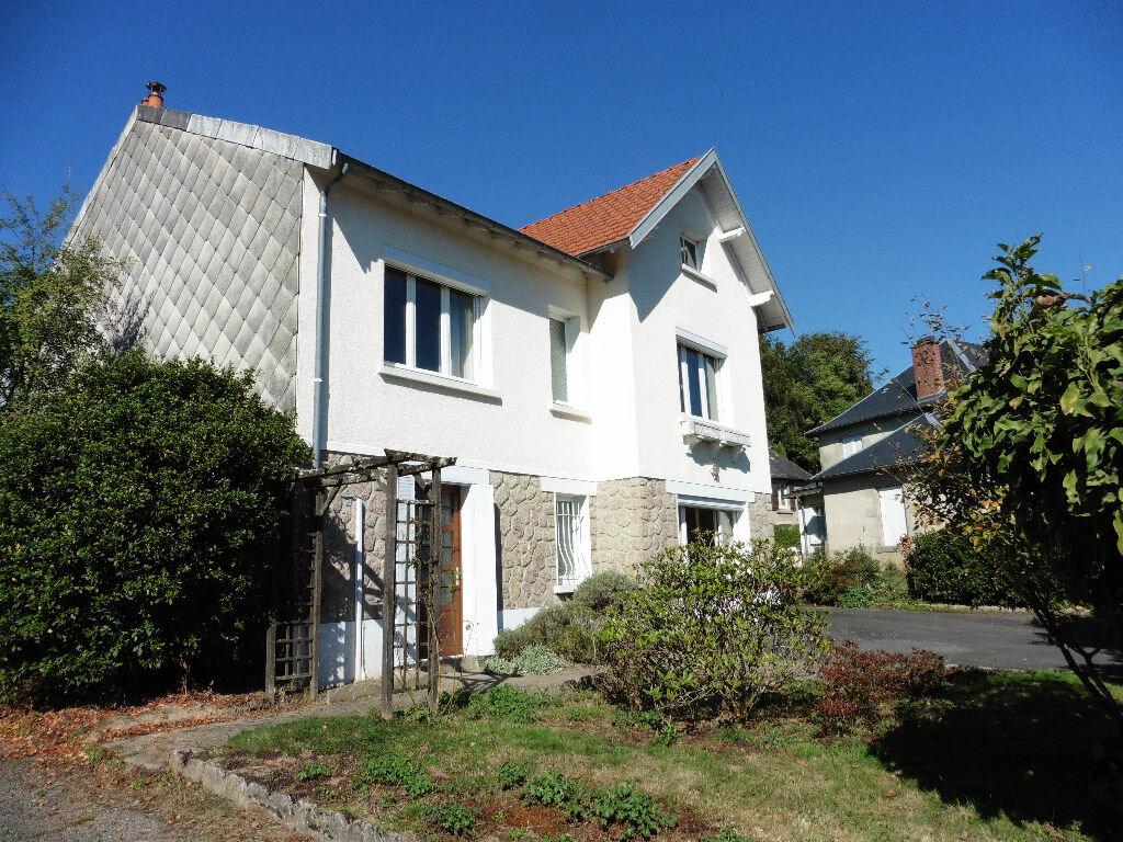 Location Maison 6 pièces à Ambazac - vignette-3