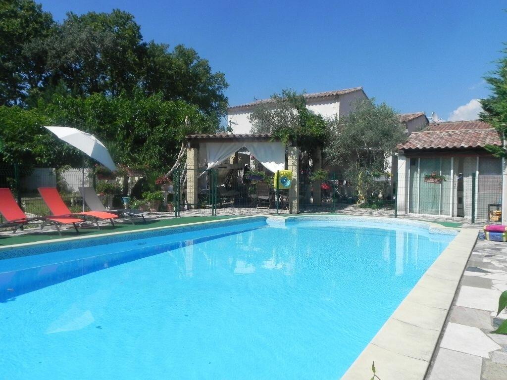 Achat Maison 7 pièces à L'Isle-sur-la-Sorgue - vignette-1