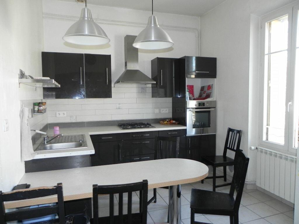 Achat Appartement 3 pièces à Cavaillon - vignette-1
