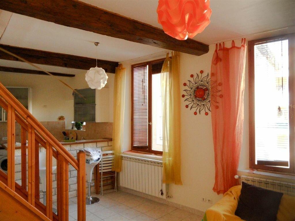 Achat Appartement 3 pièces à L'Isle-sur-la-Sorgue - vignette-1