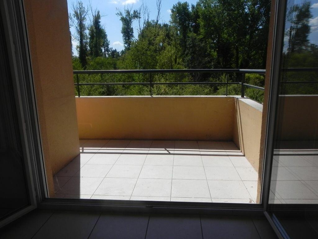 Achat Appartement 2 pièces à L'Isle-sur-la-Sorgue - vignette-6