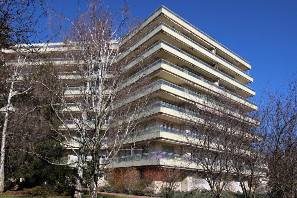 Achat Appartement 4 pièces à Ferney-Voltaire - vignette-1