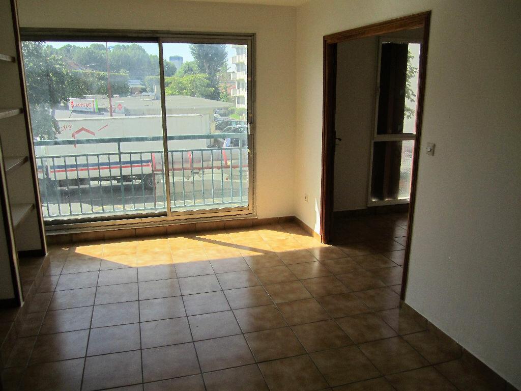 Location Appartement 3 pièces à Fresnes - vignette-1