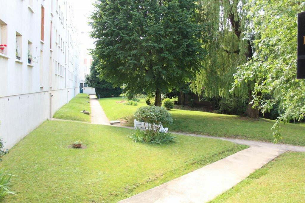 Location Appartement 3 pièces à Fresnes - vignette-5