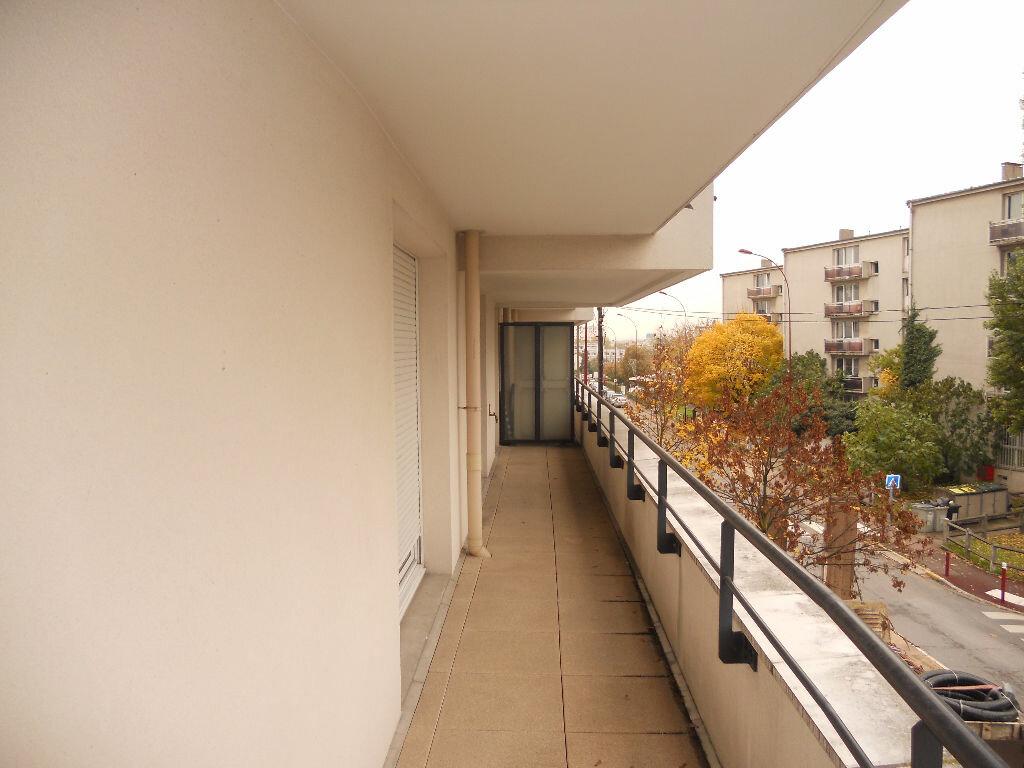 Location Appartement 2 pièces à Fresnes - vignette-1