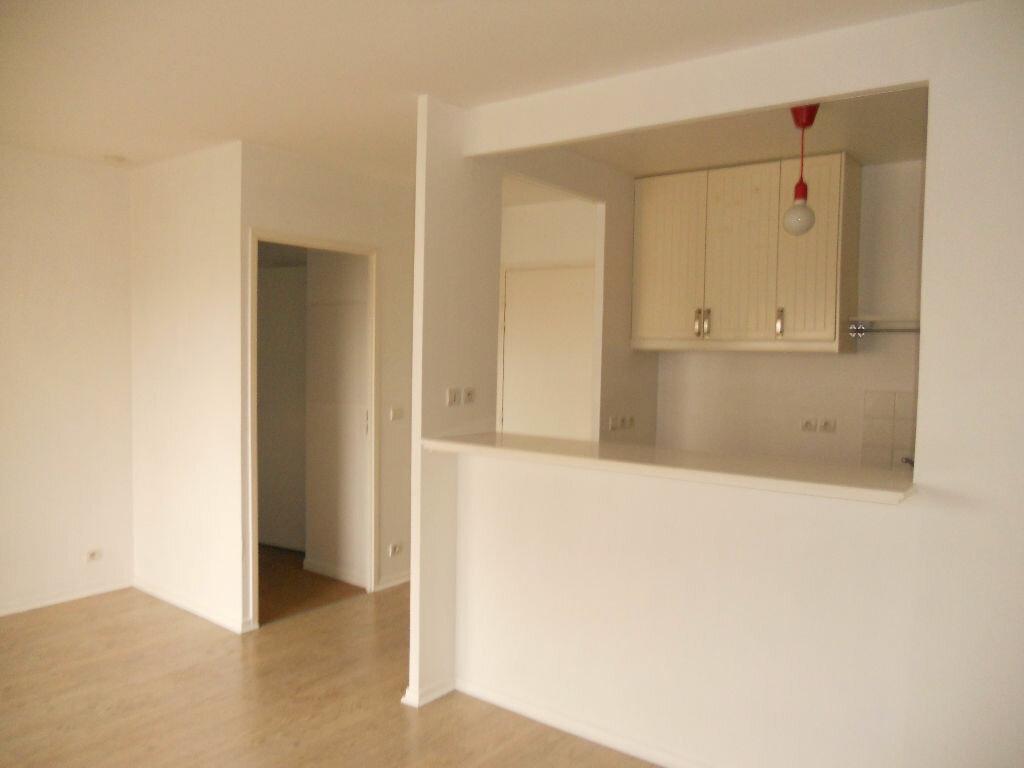Location Appartement 2 pièces à Fresnes - vignette-4