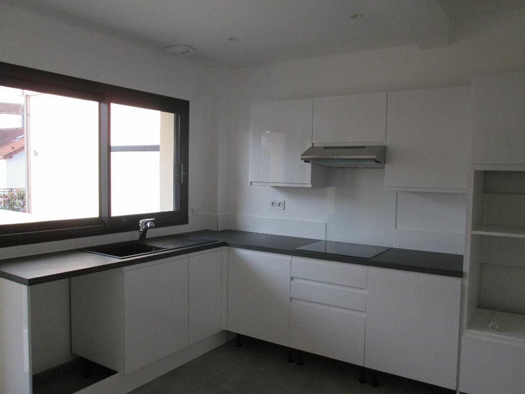 Location Appartement 4 pièces à Antony - vignette-3