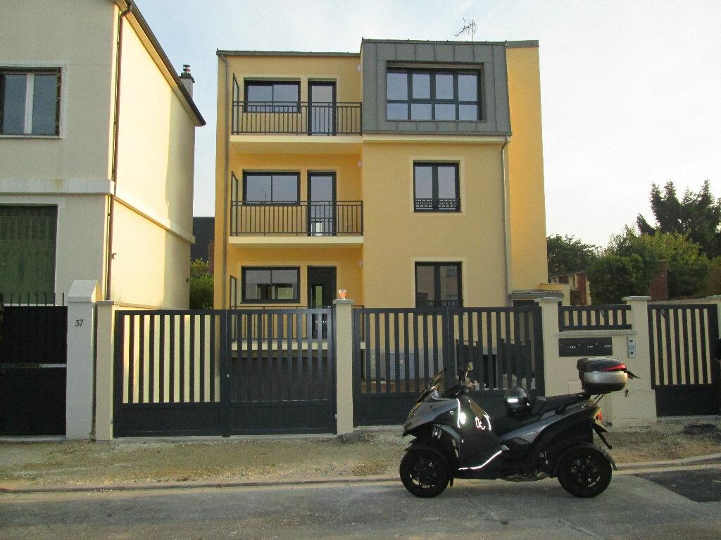 Location Appartement 4 pièces à Antony - vignette-1