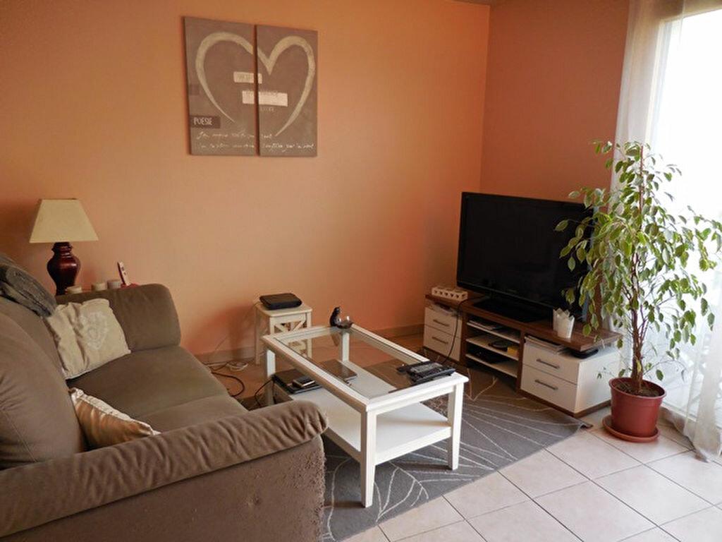Achat Appartement 2 pièces à Villefranche-sur-Saône - vignette-3