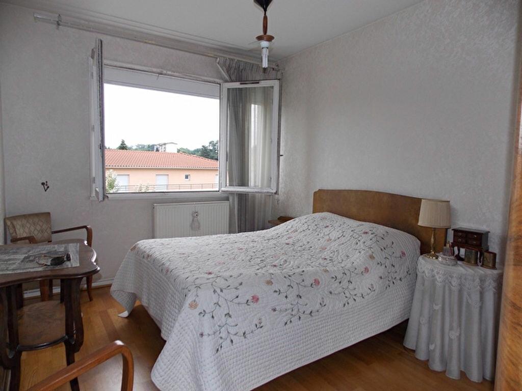 Achat Appartement 4 pièces à Villefranche-sur-Saône - vignette-4