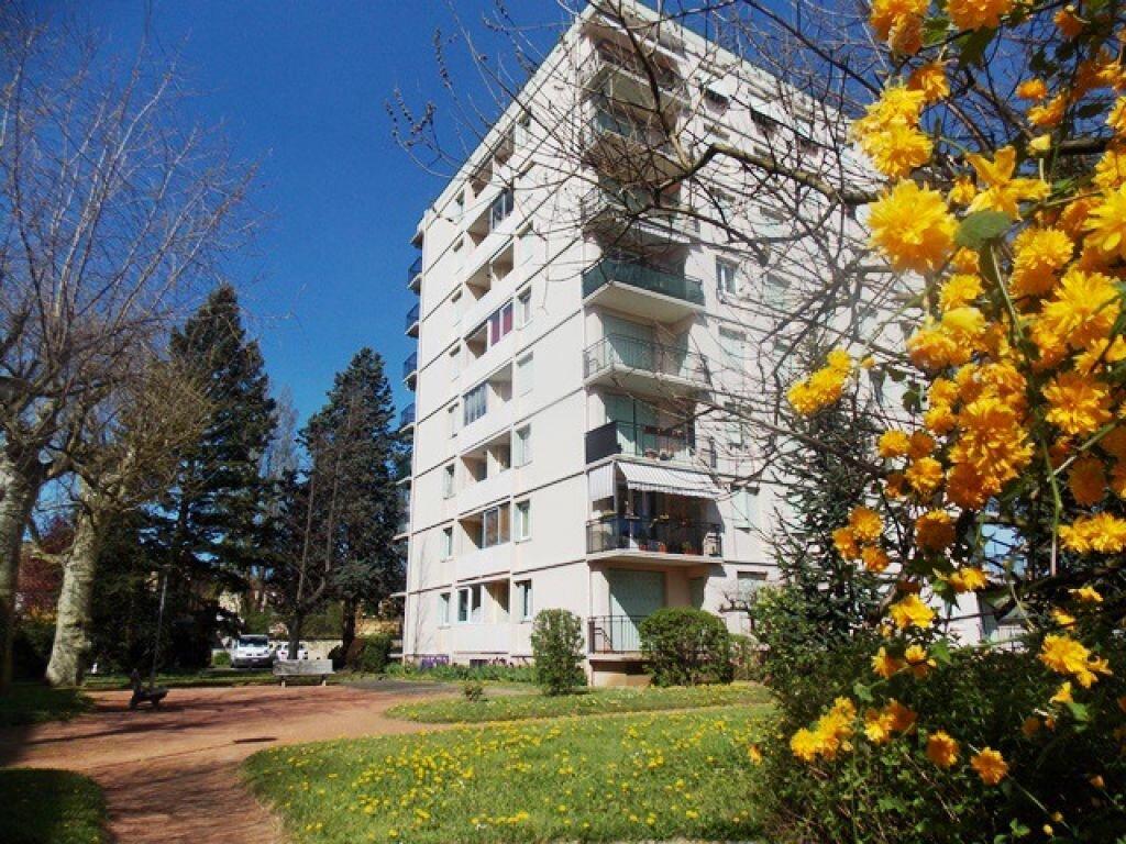 Achat Appartement 5 pièces à Villefranche-sur-Saône - vignette-1