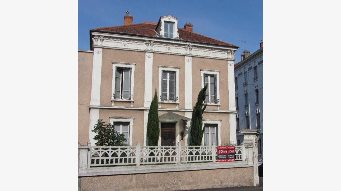 Achat Maison 12 pièces à Villefranche-sur-Saône - vignette-1