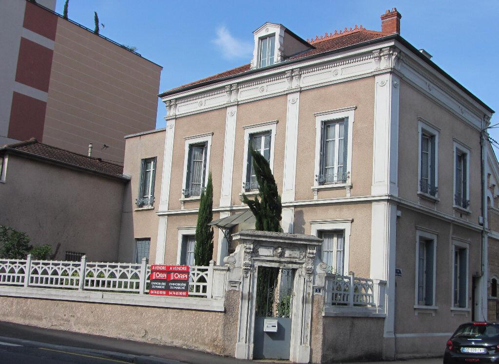 Achat Maison 12 pièces à Villefranche-sur-Saône - vignette-4
