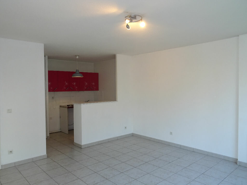 Location Appartement 2 pièces à Villefranche-sur-Saône - vignette-4