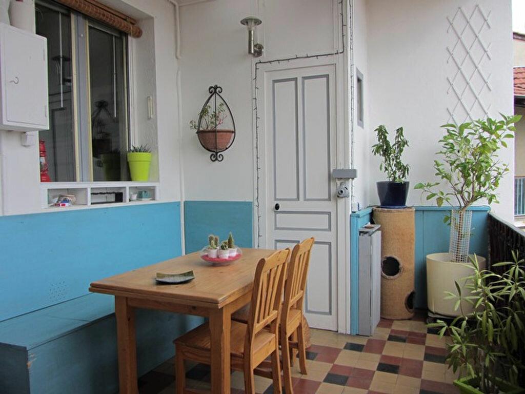 Achat Appartement 3 pièces à Villefranche-sur-Saône - vignette-4