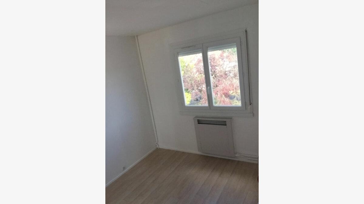 Location Appartement 3 pièces à Sotteville-lès-Rouen - vignette-4