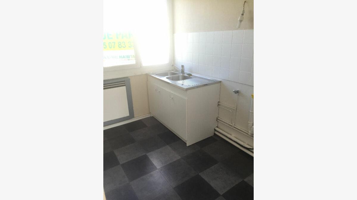 Location Appartement 3 pièces à Sotteville-lès-Rouen - vignette-6