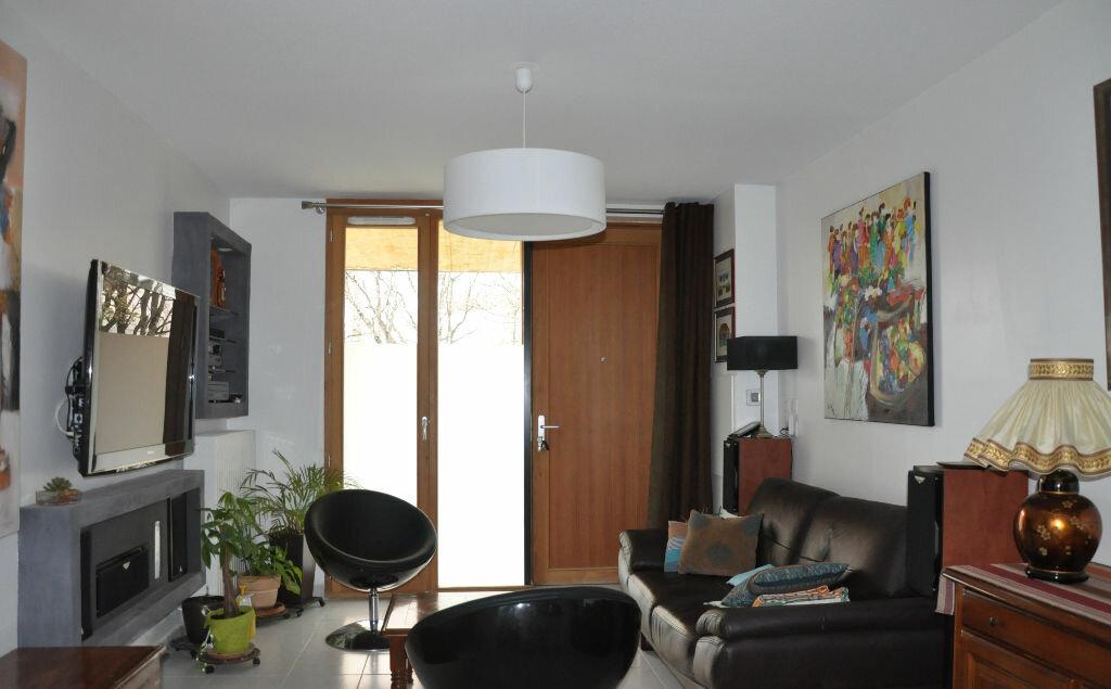 Achat Appartement 3 pièces à Cornebarrieu - vignette-1
