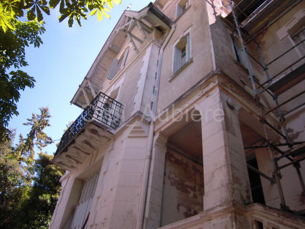 Achat Maison 6 pièces à Saint-Nectaire - vignette-1
