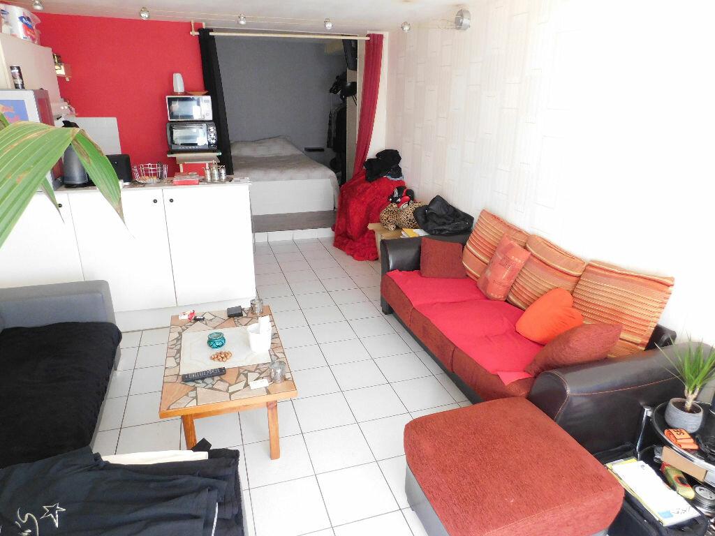 Achat Appartement 1 pièce à Beaumont - vignette-1