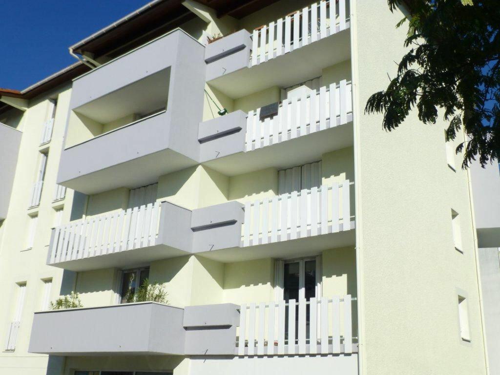 Location Appartement 1 pièce à Dax - vignette-1