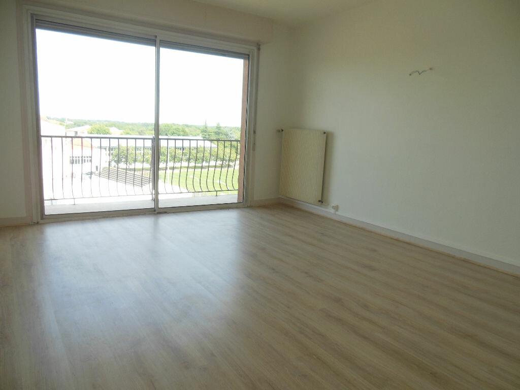 Location Appartement 4 pièces à Dax - vignette-1