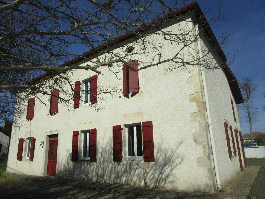 Location Maison 5 pièces à Cagnotte - vignette-1