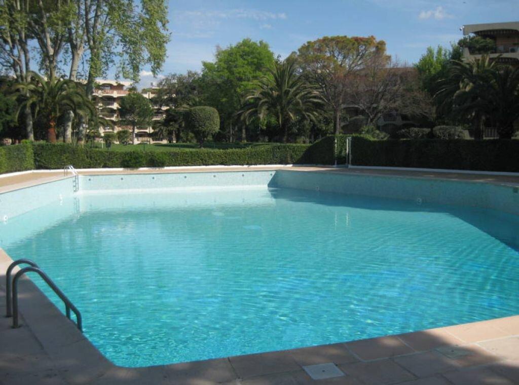 Achat Appartement 2 pièces à Mandelieu-la-Napoule - vignette-1