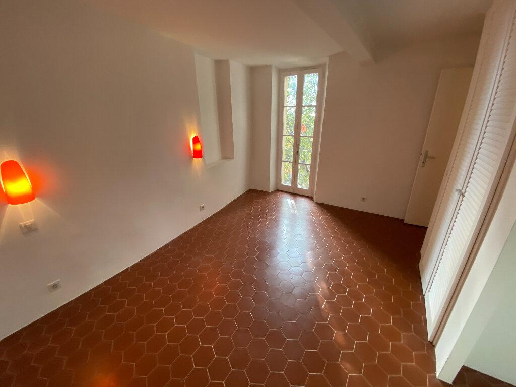 Location Appartement 4 pièces à Grasse - vignette-8
