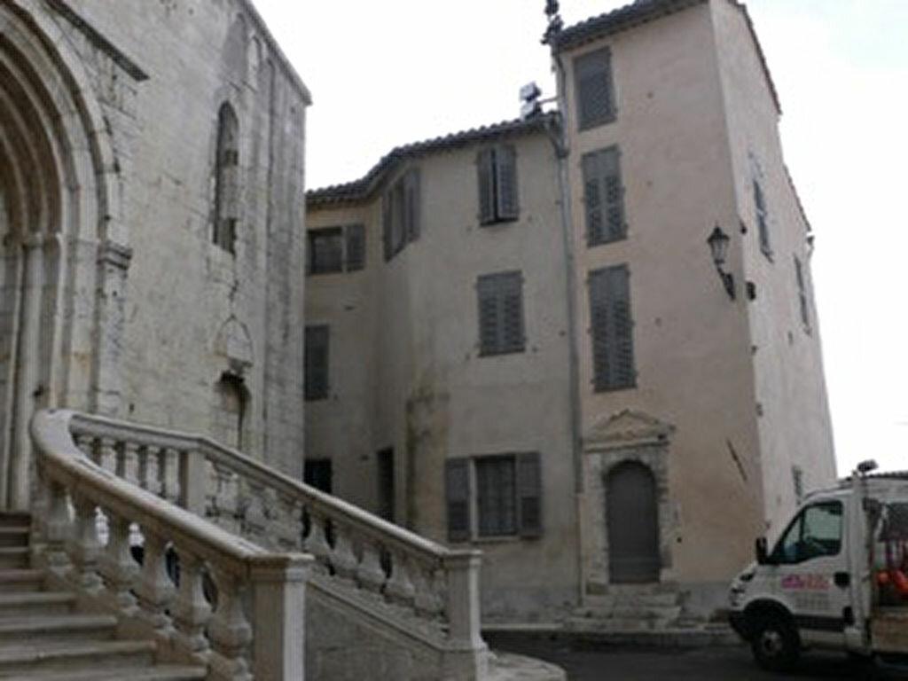 Location Appartement 4 pièces à Grasse - vignette-18