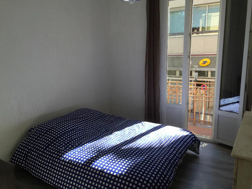 Location Appartement 3 pièces à Antibes - vignette-1