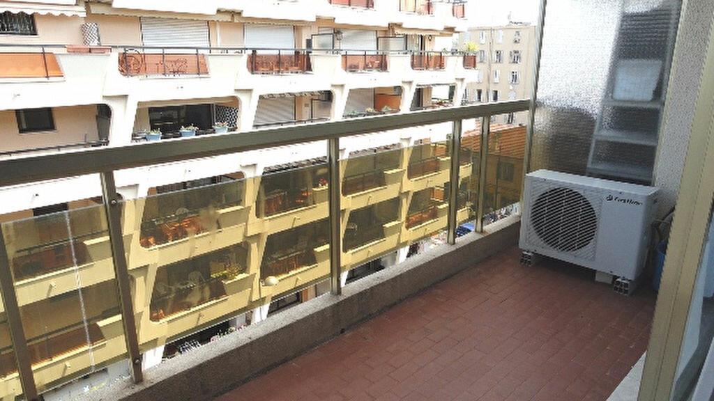 Achat Appartement 1 pièce à Antibes - vignette-2