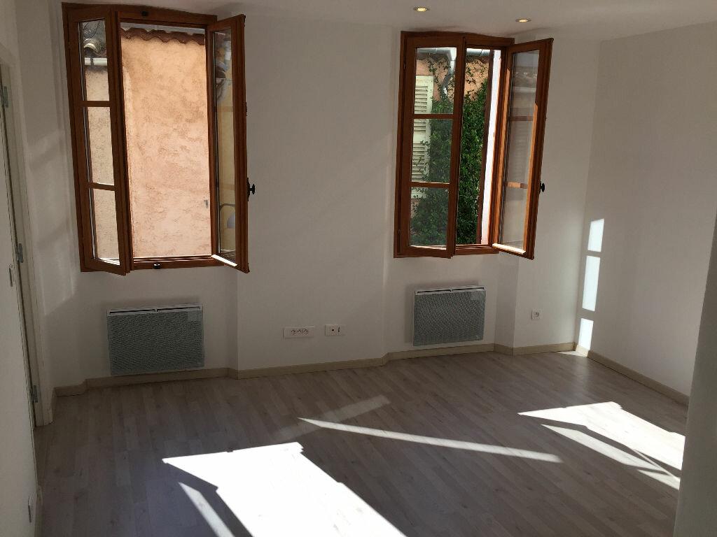 Location Appartement 2 pièces à Antibes - vignette-1