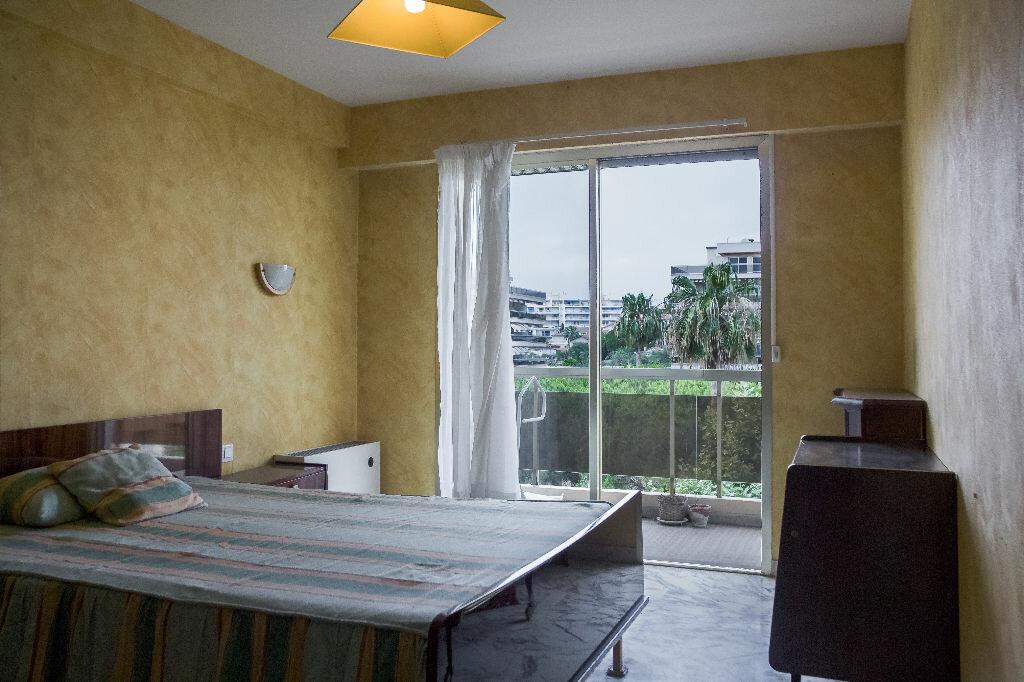 Achat Appartement 4 pièces à Antibes - vignette-5