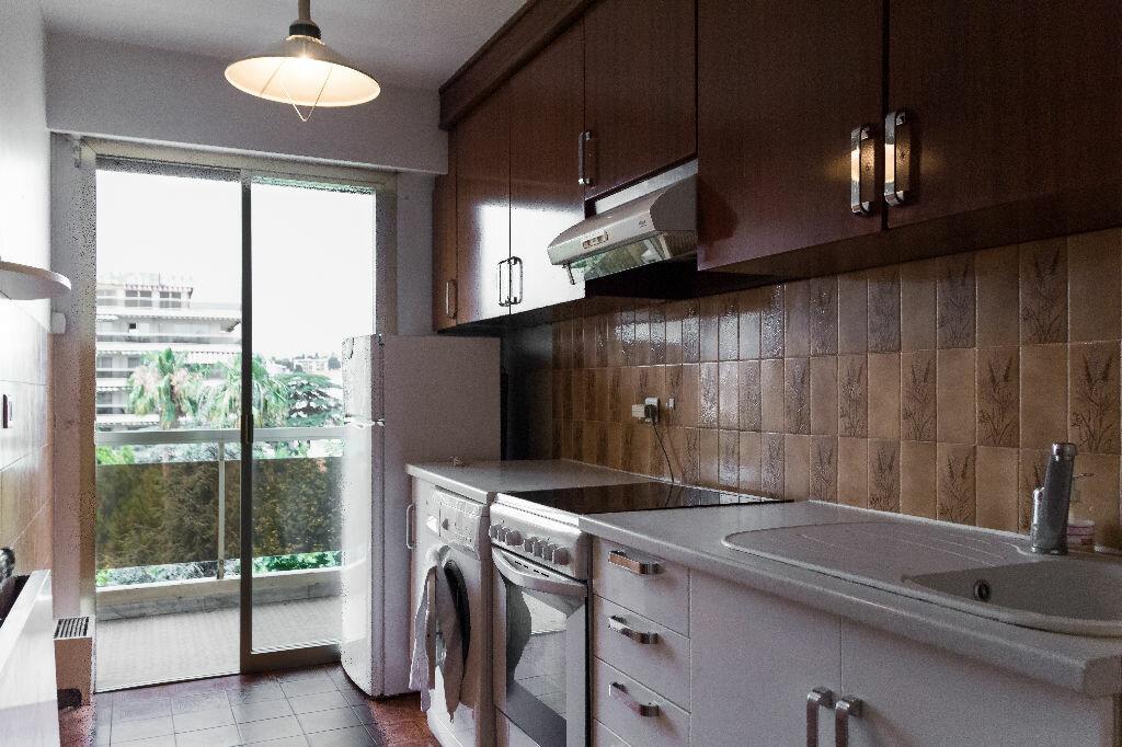 Achat Appartement 4 pièces à Antibes - vignette-8