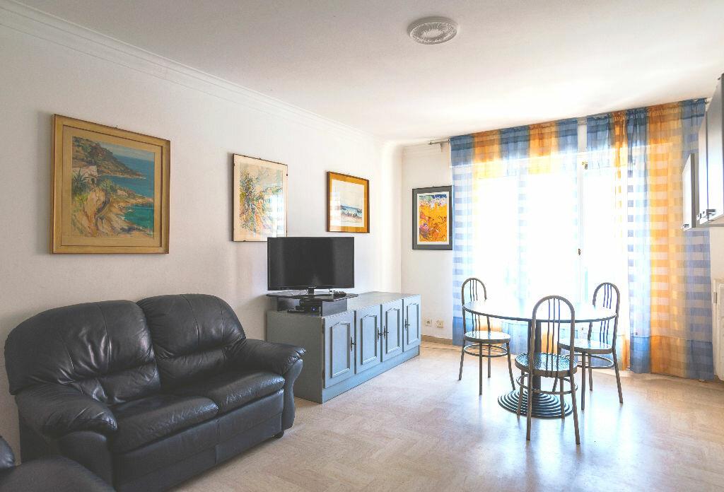 Achat Appartement 3 pièces à Antibes - vignette-1
