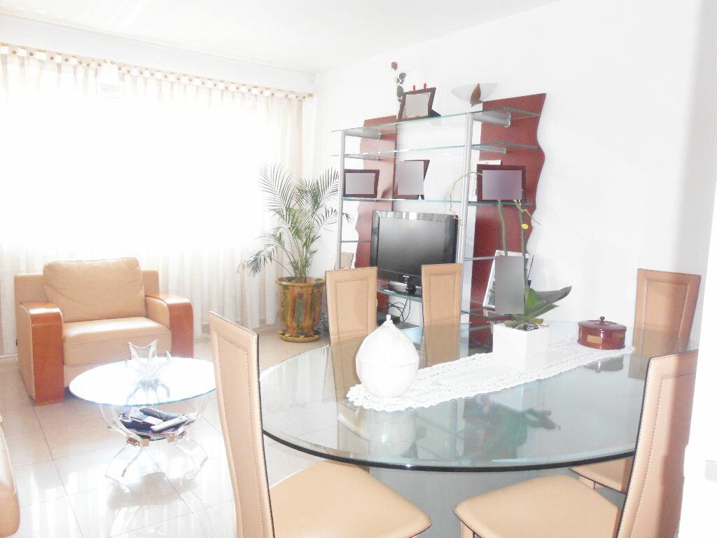Location Appartement 3 pièces à Le Cannet - vignette-1