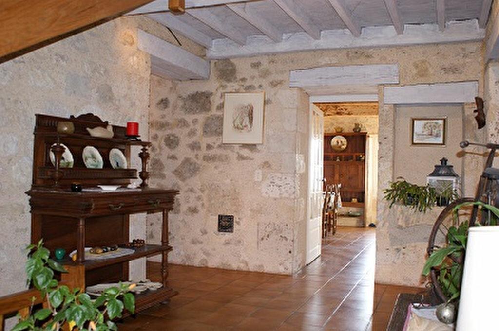 Achat Maison 5 pièces à Saint-Martin-de-Goyne - vignette-4