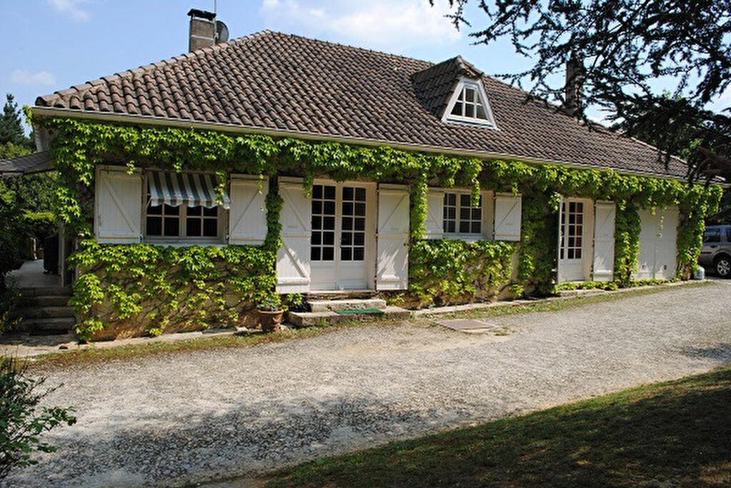 Achat Maison 7 pièces à Fleurance - vignette-1