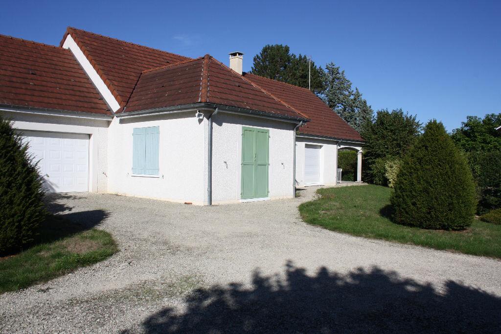 Achat Maison 5 pièces à Champs-sur-Yonne - vignette-1