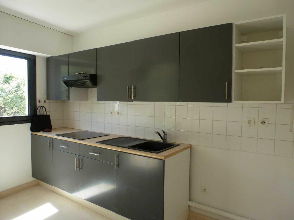 Achat Appartement 2 pièces à Marseille 8 - vignette-2
