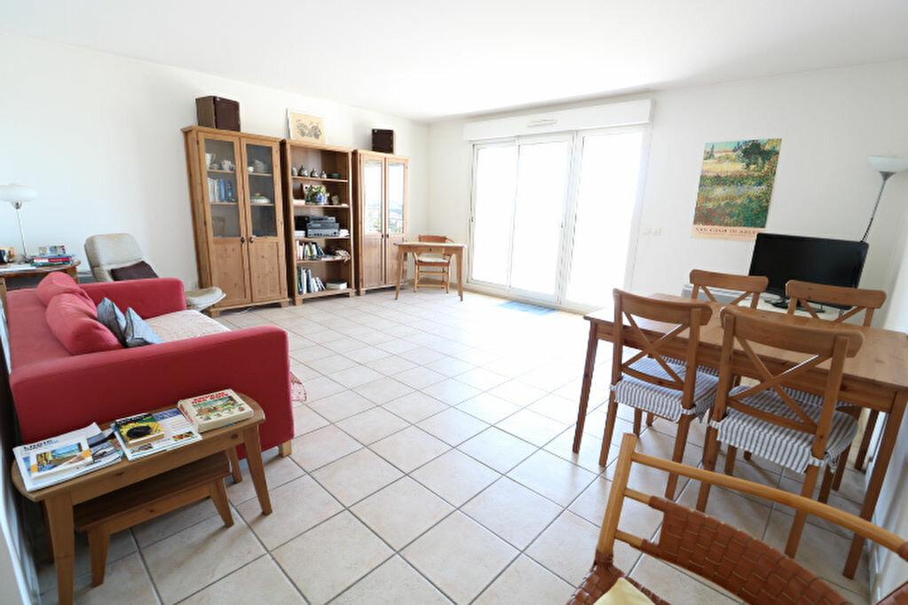 Achat Appartement 3 pièces à Marseille 8 - vignette-5