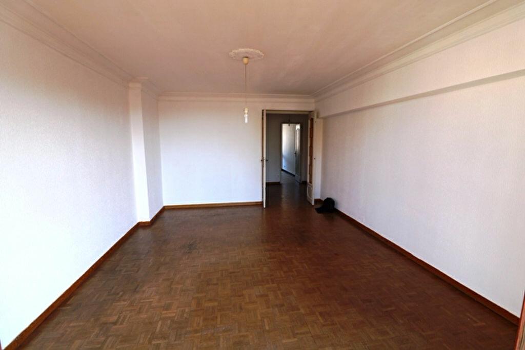 Location Appartement 3 pièces à Marseille 5 - vignette-1