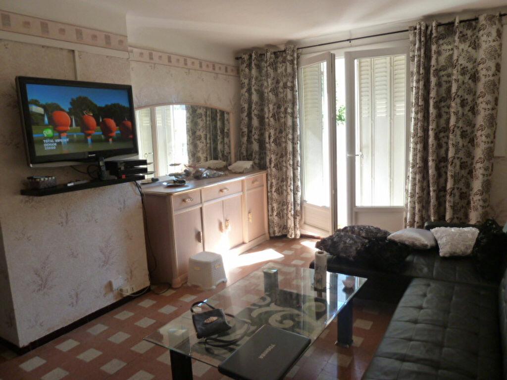 Location Appartement 3 pièces à Marseille 3 - vignette-1