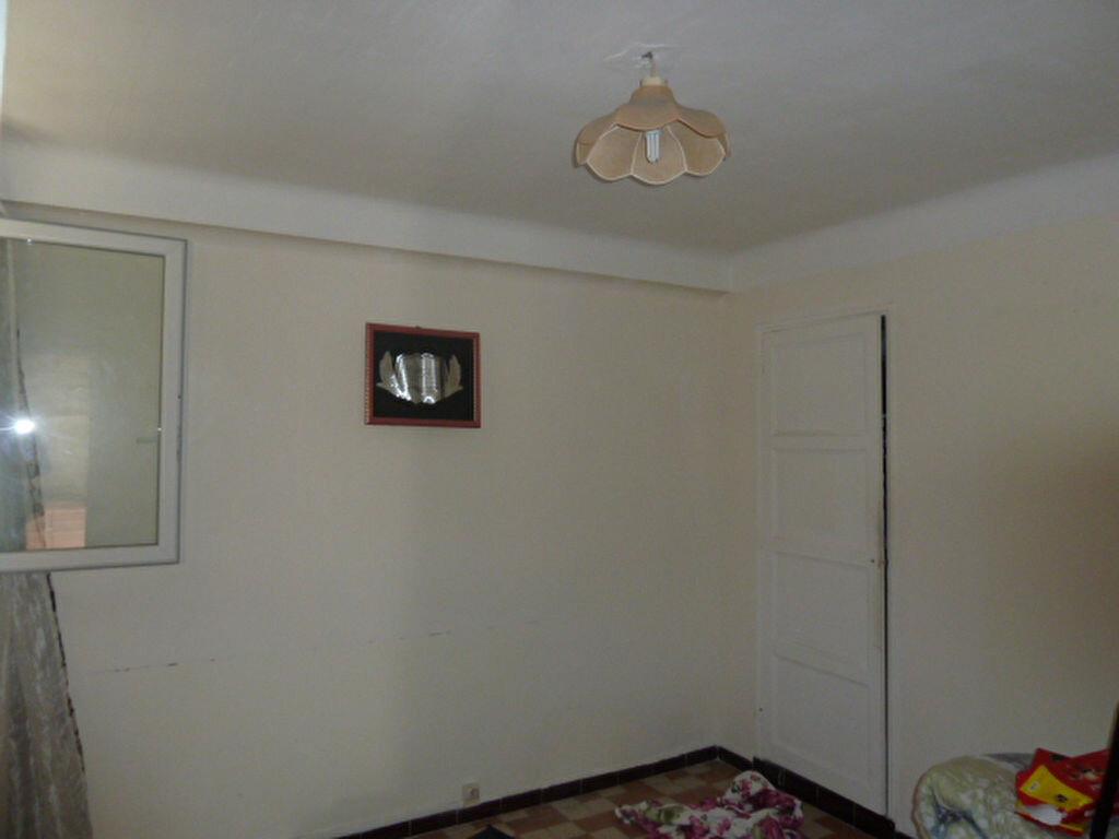 Location Appartement 3 pièces à Marseille 3 - vignette-4